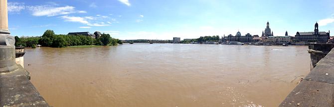 Blick von der Augustusbrücke - 05.06.2013 - ca. 10.00 Uhr