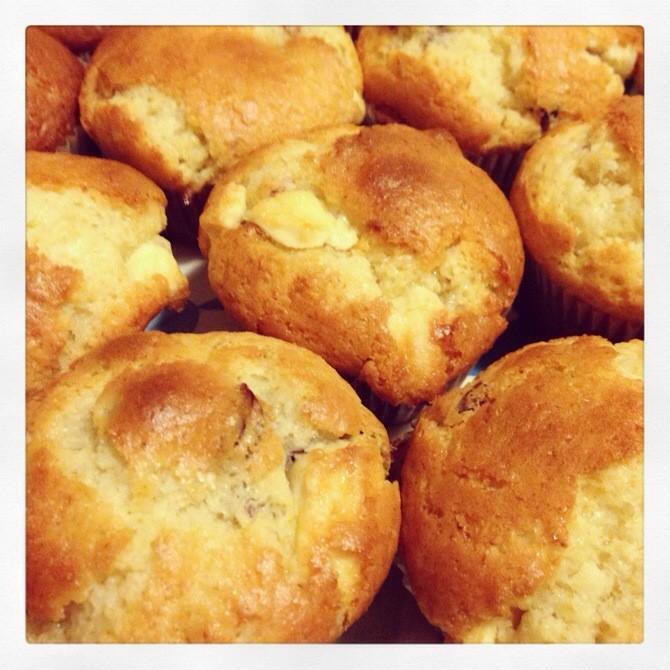 Buttermilch-Muffins mit weißer Schokolade und Cranberries